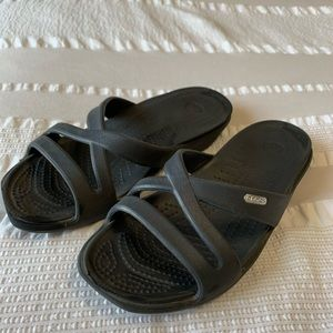 Crocs Flip Flops Size 8